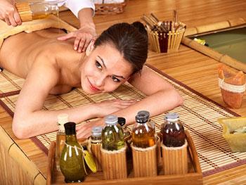 Как использовать аромамасла для тела