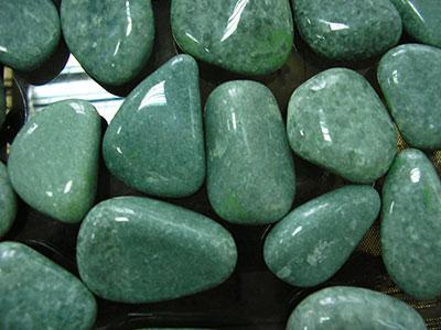 Жадеит: камень для защиты